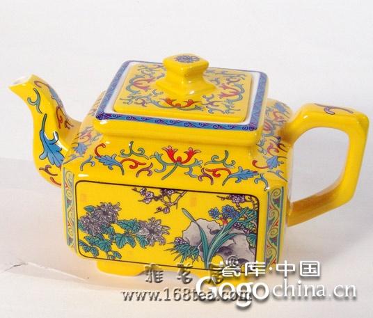 随着生活水平的提高,龙年礼品紫砂茶具与生活共同成长