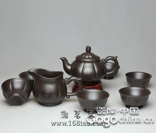 文人气质和紫砂艺术氛围,深深的影响着龙年礼品紫砂茶具的走向