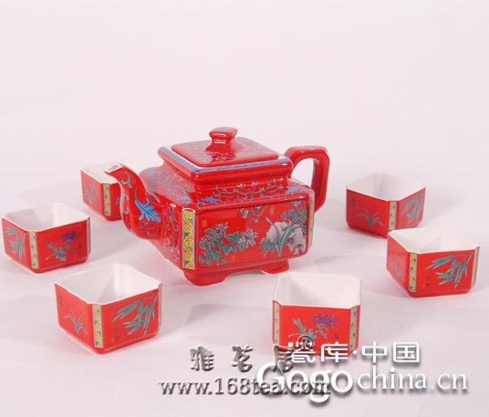 随着龙年礼品热潮的兴趣,红瓷将会给人们的生活带来便利