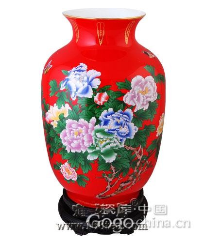 在如此众多的投资理财产品中,龙年礼品红瓷一鸣惊人了起来