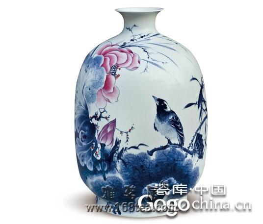 龙年礼品陶瓷热在各个不同的朝代形成了典型的工艺和艺术特征