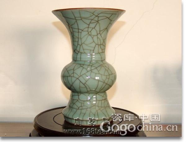 龙年礼品香炉从宋代到清代都作为了一项工艺品作为其身份