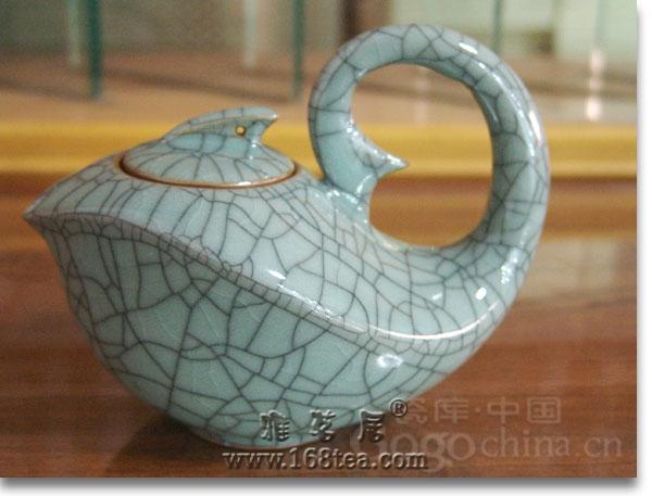 龙年礼品哥窑瓷器主要有那些特点呢?
