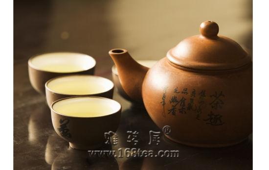 茶与紫砂壶密不可分的关系:因壶适茶 因茶选壶 用壶养壶养出道理