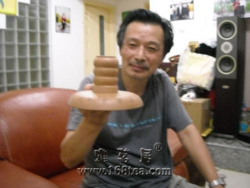 """1件罕有跨世纪紫砂器""""巴拿马赛会纪念品""""现身镇江"""