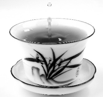 一天三杯茶 上班族护健康作用大