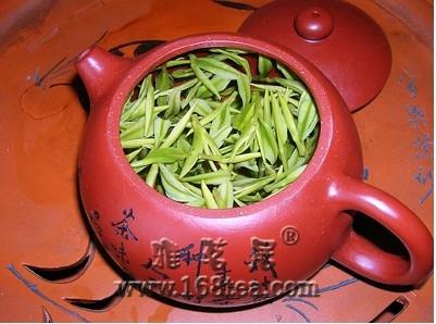 长饮茶可降血脂除肥胖