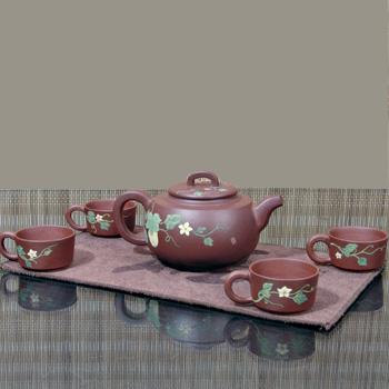 紫砂壶的文化附加价值高则升值空间大