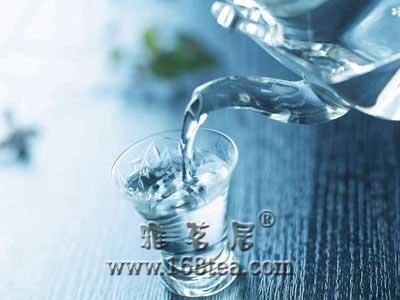 喝自来水减肥分析