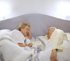 老年人打鼾需减肥