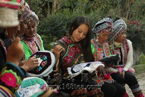 彝族刺绣—走向国际的民族奢侈品牌