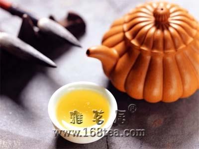 日本原子时代的茶饮料-黑茶