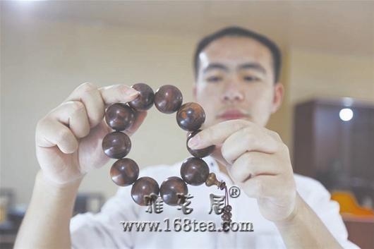 随州文玩店上演疯狂的木头:黄花梨手串价格达10万