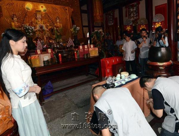 """福州""""茶帮拜妈祖""""再现海丝枢纽文化"""