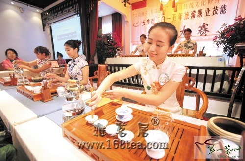 """湖南长沙举办茶艺师选拔赛 推进""""大众创业、万众创新"""""""