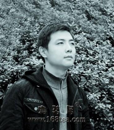 景德镇青花瓷名家韩志辉《浅谈青花山水斗彩的创作》
