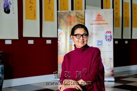 倪萍加拿大办书画展 十几幅画作被抢购