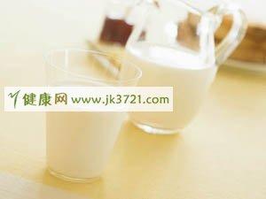 鲜奶、酸奶、豆奶哪些更健康营养