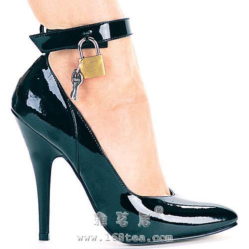 穿高跟鞋时需注意的养身事项