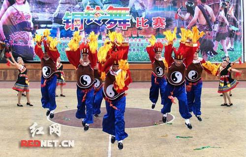 土家族的舞蹈--八宝铜铃舞