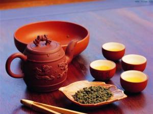 紫砂壶泡茶图片