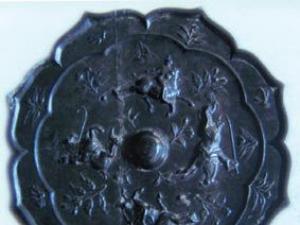 唐代打马球纹饰铜镜
