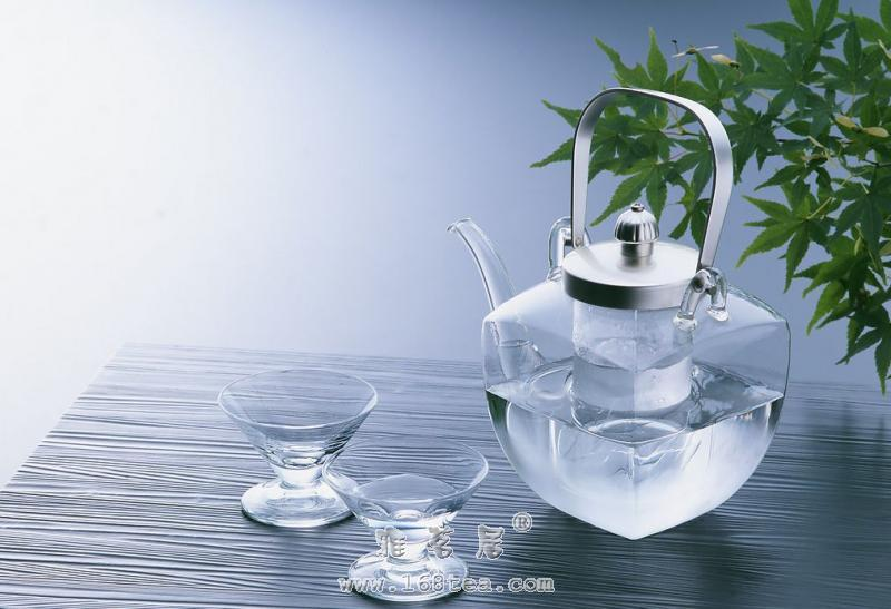 介绍清洁玻璃茶具的方法