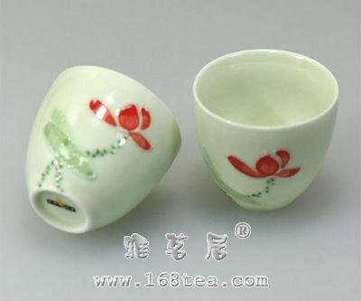 如何区分茶具是贴花瓷和手绘瓷