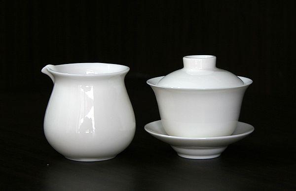 白瓷茶具图片