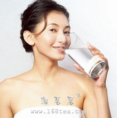 如何健康喝水
