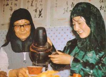 回族饮茶茶俗--刮碗子茶介绍