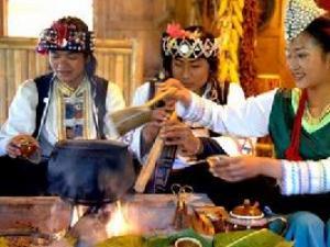 哈尼族的茶俗文化