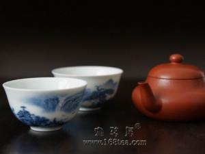 喝岩茶的紫砂壶