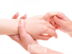 手穴按摩的几个特点|全息反射区