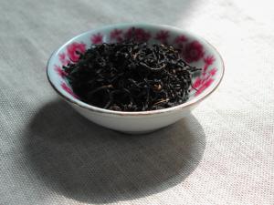 宜红功夫茶品茶图