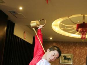 长壶茶艺龙行十八式表演图
